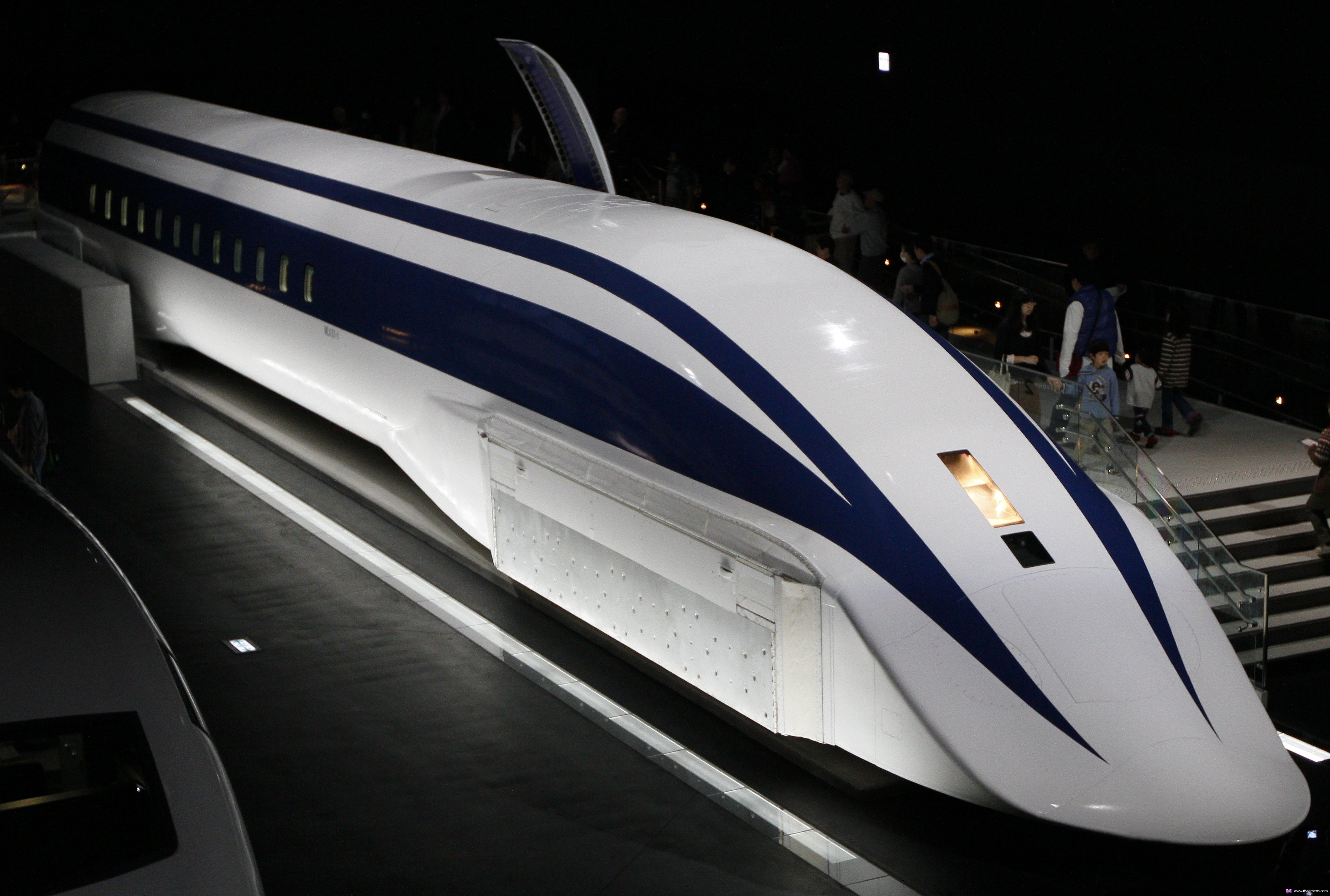 Искусственный поезда есть продажа