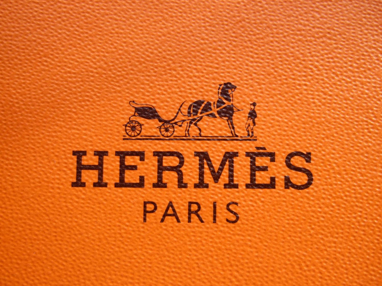 01d95a80146 Модный Дом Hermès ограбили на миллион евро