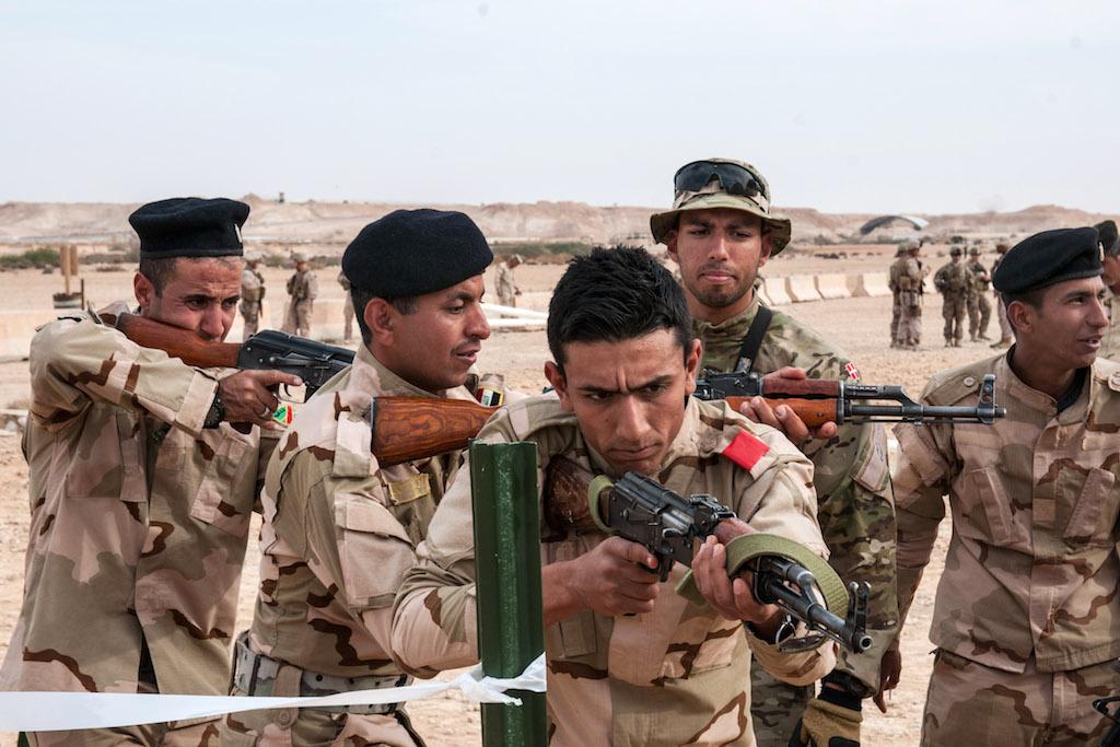камуса подошвами фото как бегут иракская армия раза приезжали грузчики