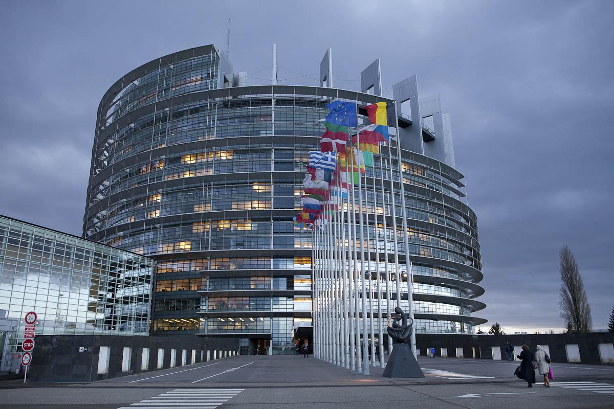 Европарламент хочет ввести санкции не только против Белоруссии, но и против россиян