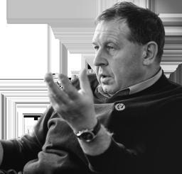 Андрей �лларионов