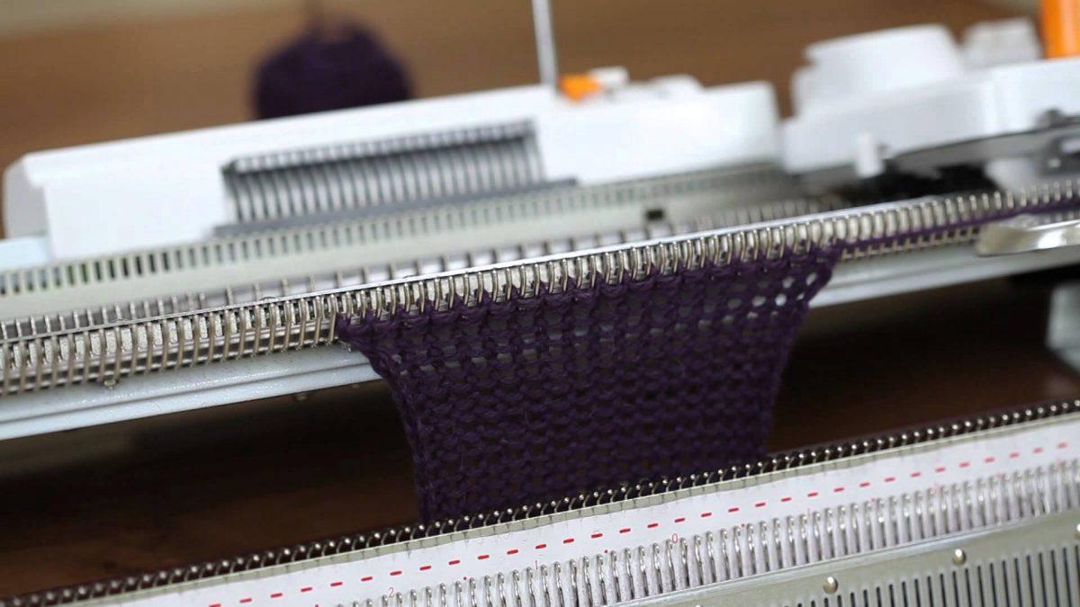 вязальная машина выбираем швейный агрегат по типу
