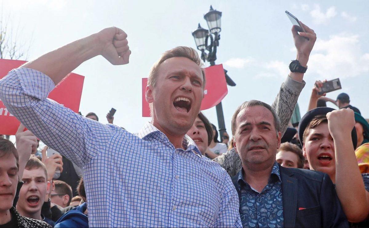 Никто не сможет сместить Навального: сколько еще будут продолжаться жалкие потуги ФБКшников?