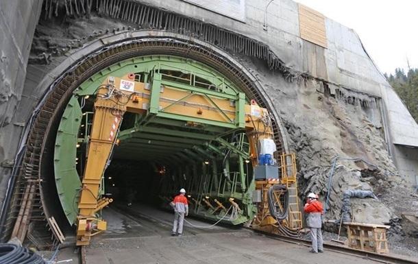 Компания Илона Маска проложила 1-ый тоннель под Лос-Анджелесом