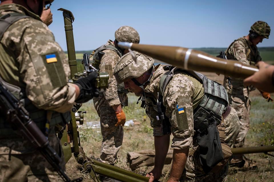 Заночь наДонбассе умер украинский военный, двое получили ранения