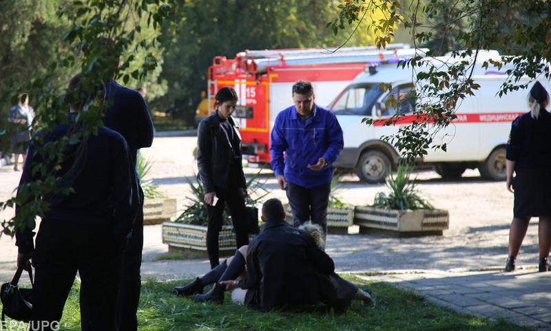 Бойня вКерчи: мед. персонал  показали гвозди, извлеченные изтела пострадавшей