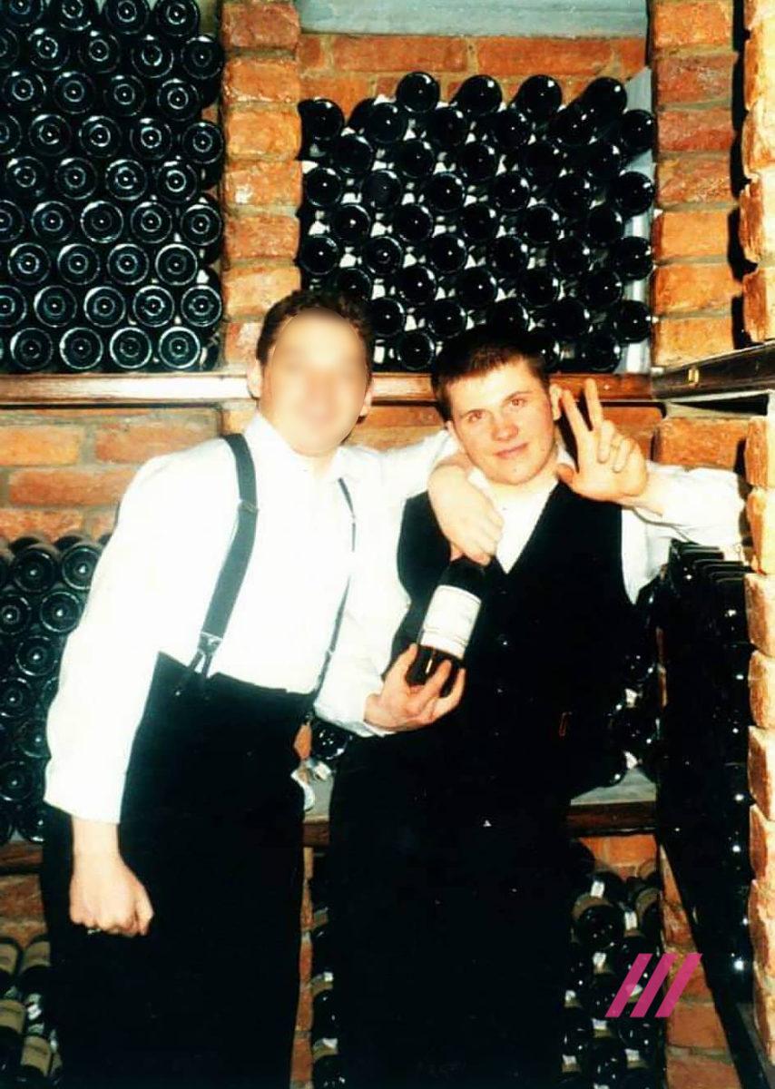 Работал официантом: СМИ опубликовали новое фото ГРУшника Мишкина, фото-2