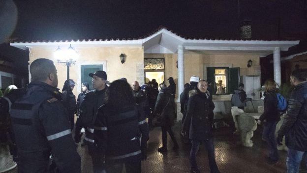 Картинки по запросу в пригороде рима полиция захватила 8 вилл мафии