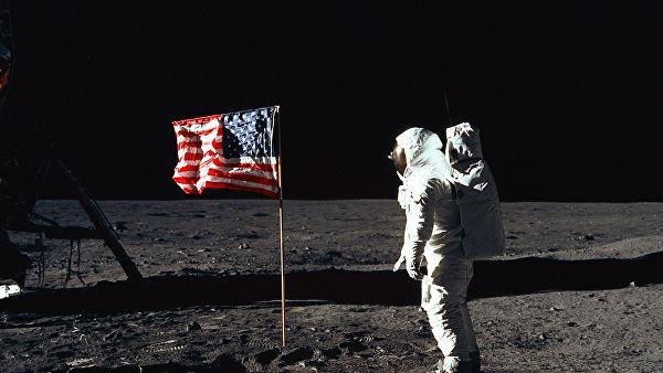 NASA планирует высадить астронавтов наЛуну напротяжении  10 лет