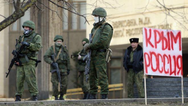 Новости Крымнаша. «Москва использует полуостров как военную базу, а крымчан — в качестве живого щита»