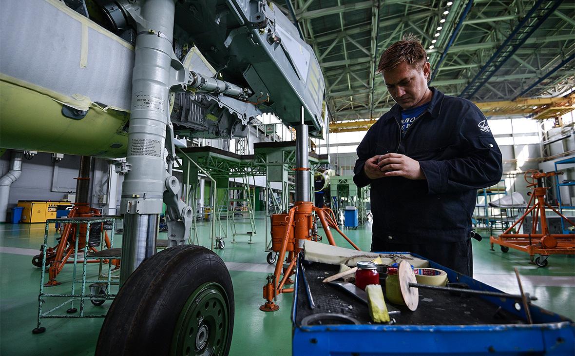 В РФ упало производство самолетов, космических кораблей иракет