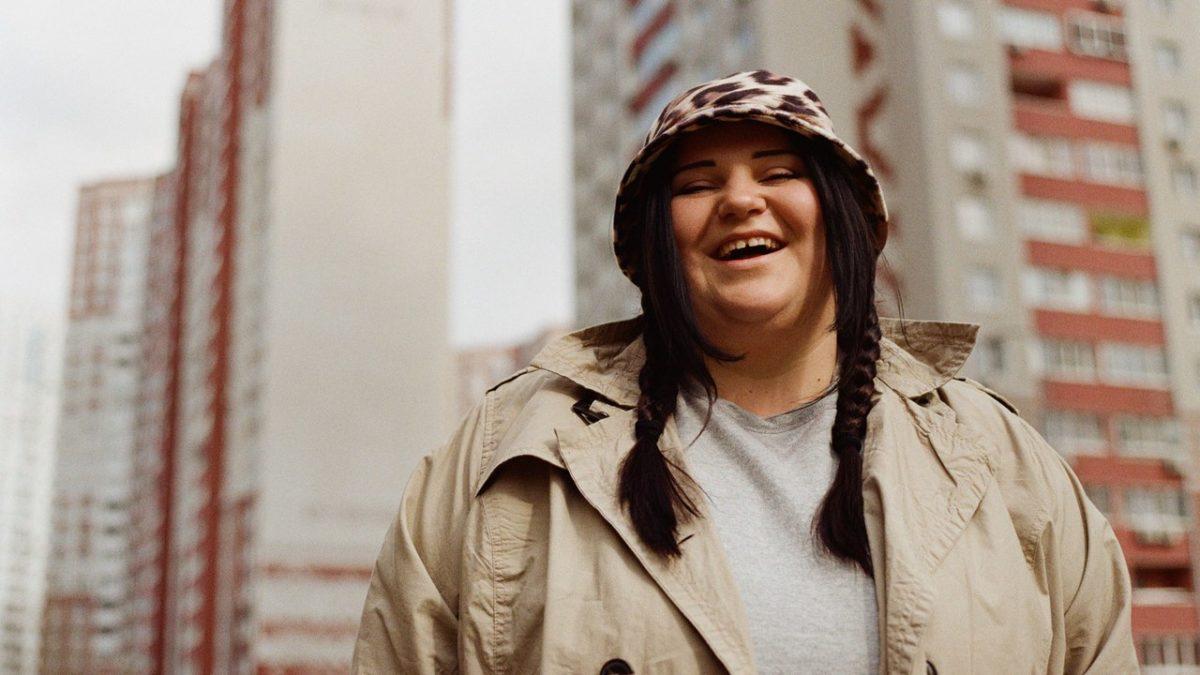 Видео Alyona Alyona вошла втоп-15 нормальных внимания артистов изЕвропы