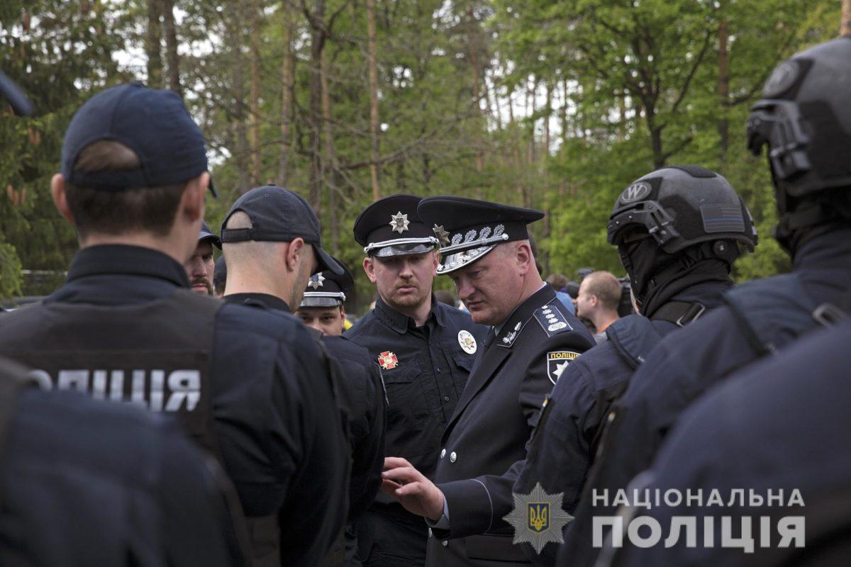 Полиция отказывается от автоматов Калашникова: названа причина