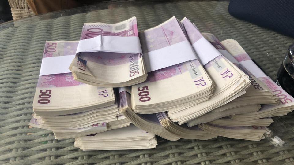 ВКиеве задержали фальшивомонетчиков смиллионом поддельных евро