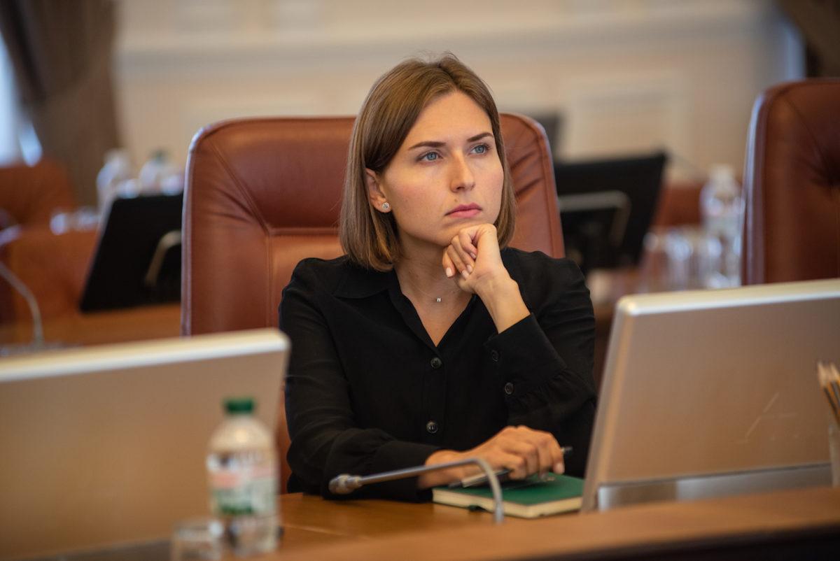"""Результат пошуку зображень за запитом """"Міністр освіти Новосад каже, що отримує зарплату вдвічі менше, ніж тракторист влітку"""""""