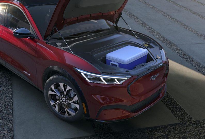 Ford показала свой первый электрокроссовер с внушительным запасом хода