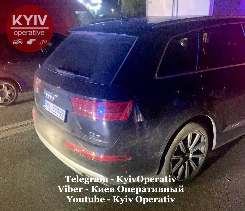 «Щенки, я вас на ноль умножу»: В Киеве пьяный сотрудник ГПУ угрожал патрульным 1
