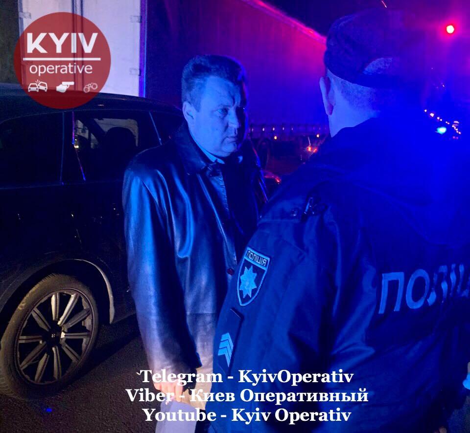 «Щенки, я вас на ноль умножу»: В Киеве пьяный сотрудник ГПУ угрожал патрульным 2