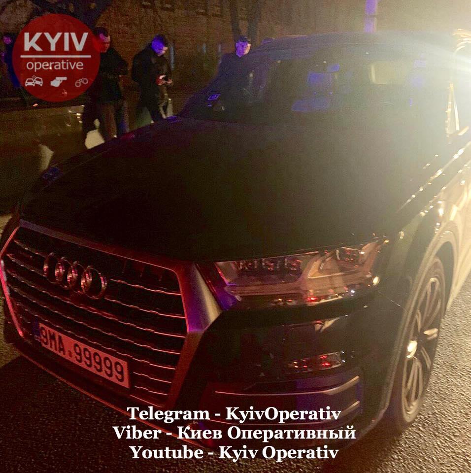 «Щенки, я вас на ноль умножу»: В Киеве пьяный сотрудник ГПУ угрожал патрульным 4