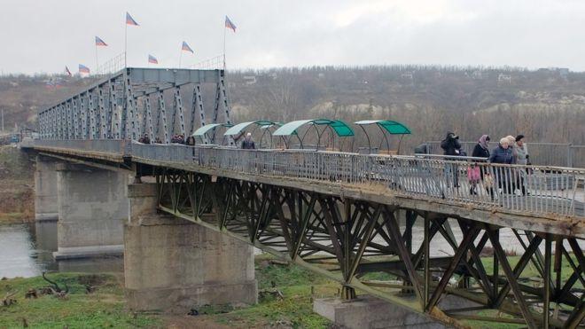 Зеленський нагородив ряд волонтерів державними орденами і медалями - Цензор.НЕТ 2519