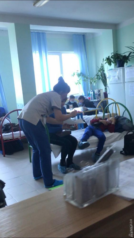 В Одессе из-за гриппа и ОРВИ переполнены больницы, детей размещают в коридорах