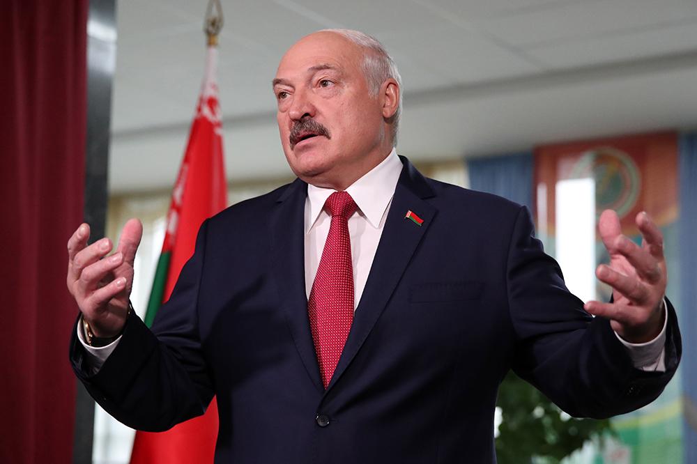 Белоруса посадили в колонию за оскорбление Лукашенко в интернете