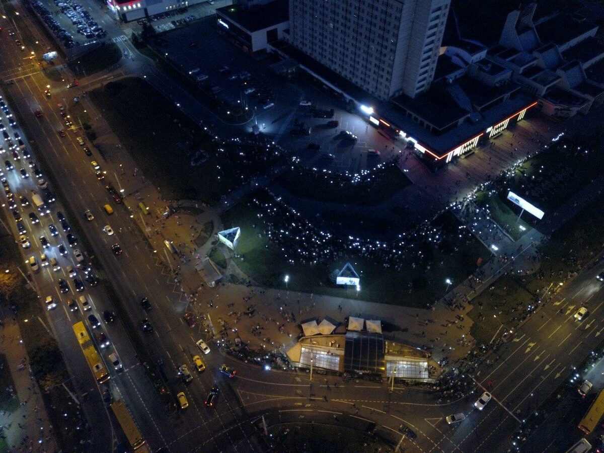 В Беларуси продолжились акции протеста, силовики ведут огонь по людям