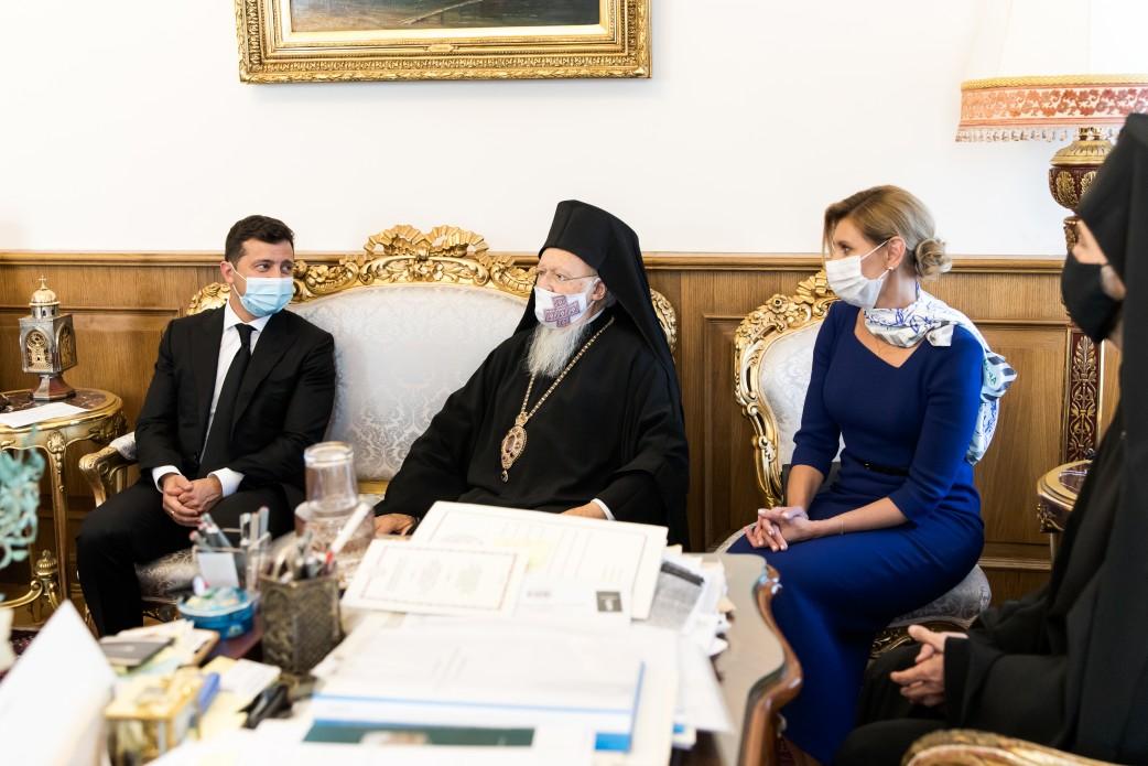 Зеленский в Турции помолился за Украину и встретился со Вселенским патриархом Варфоломеем