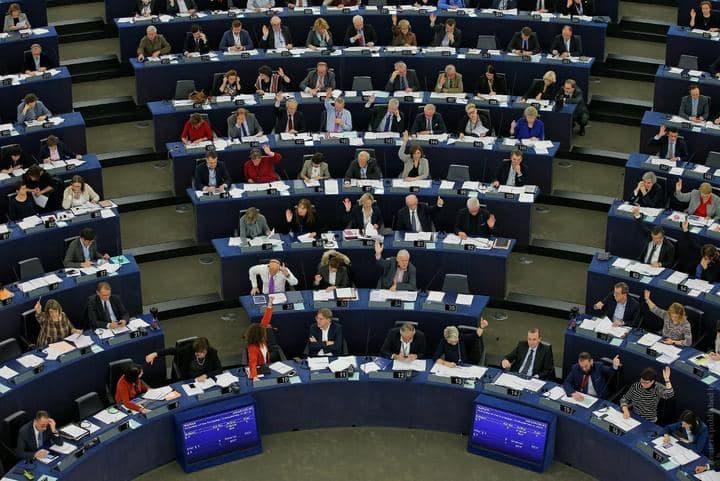 Европарламент требует ввести новые санкции против режима Лукашенко