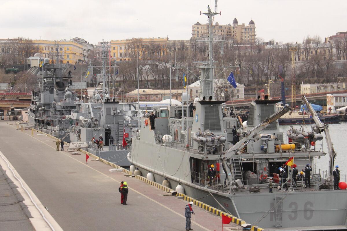 Москва грозит начать бомбежку Киева и уничтожить резиденцию президента Украины: В одесский порт зашли корабли группы НАТО 1