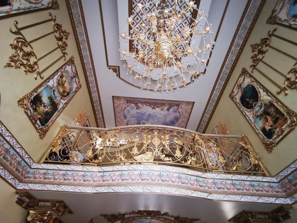 В России задержали за коррупцию начальника ГИБДД. В его доме нашли золотой унитаз, где весь дом в золоте 6