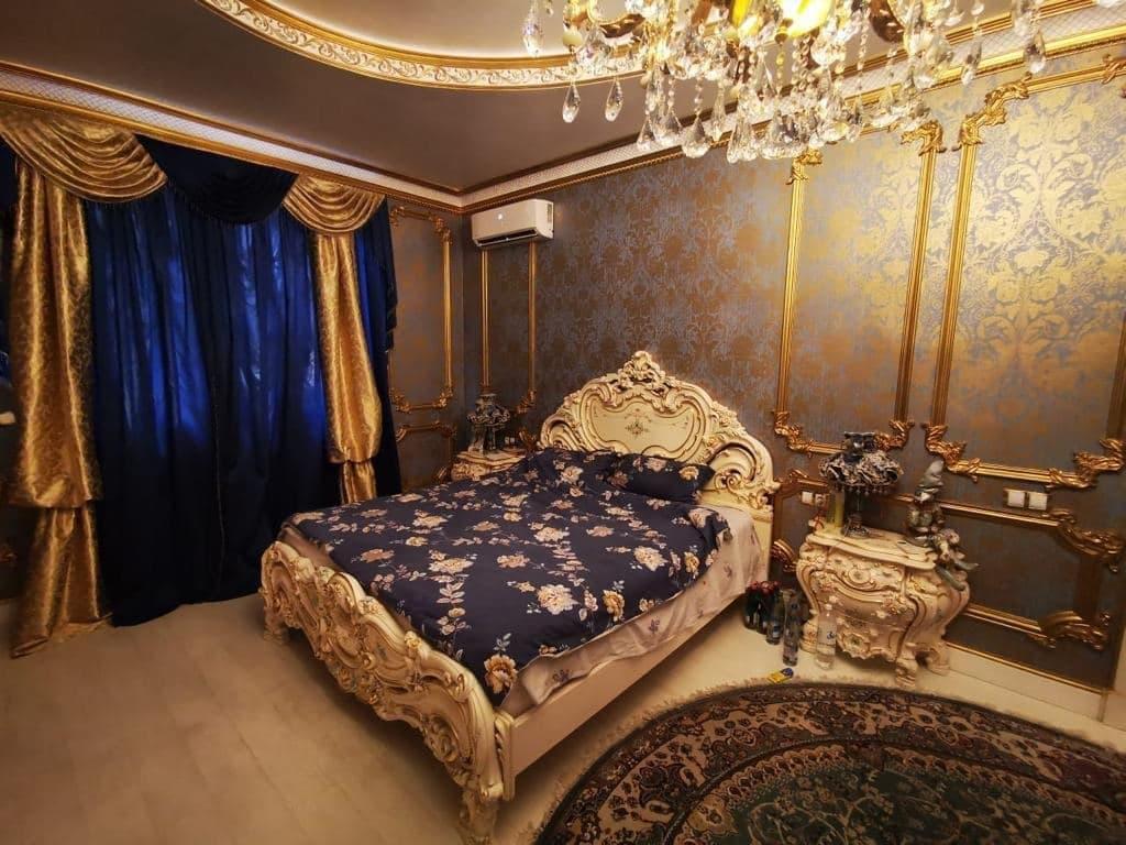 В России задержали за коррупцию начальника ГИБДД. В его доме нашли золотой унитаз, где весь дом в золоте 7