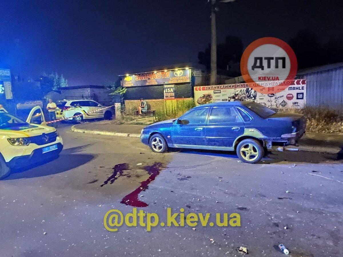Пьяный мужчина бросил жену умирать на дороге: В Киеве произошло жуткое ДТП 3