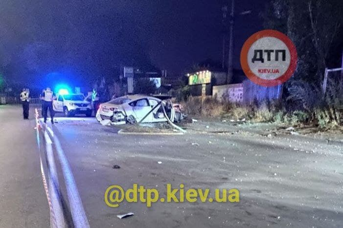 Пьяный мужчина бросил жену умирать на дороге: В Киеве произошло жуткое ДТП 2
