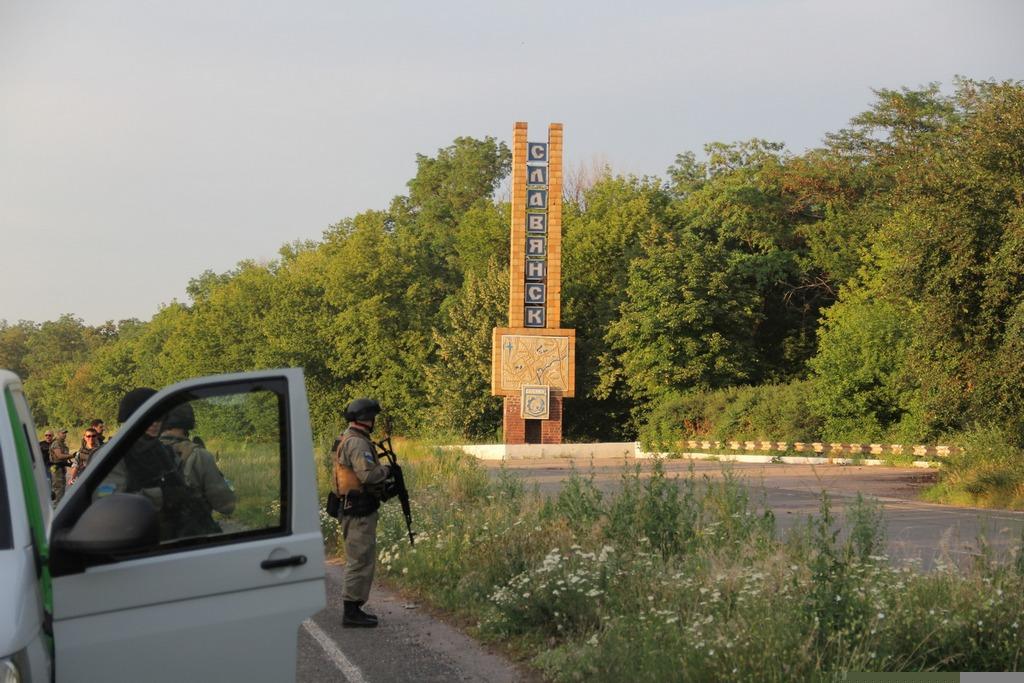 Боевики обстреливают жилые кварталы Луганска из артиллерийских систем, - пресс-центр АТО - Цензор.НЕТ 1200